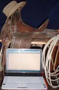 saddle-laptop